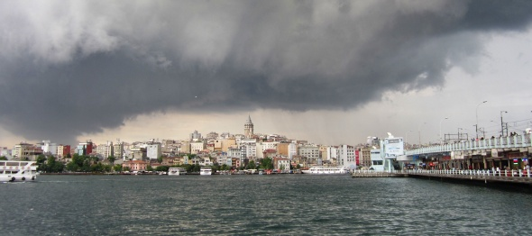 Storm brewing over the New District across the Golden Horn.