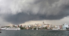 Amazing clouds gather above the Galata tower before the rain came